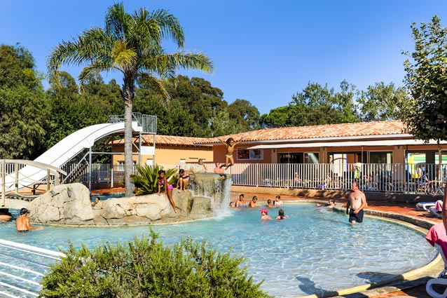 piscine au camping Castors