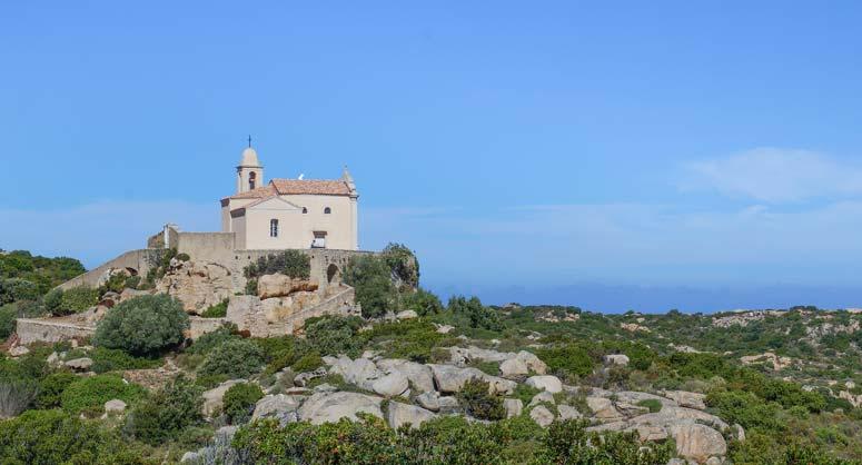 randonneurs en Calvi en camping Corse