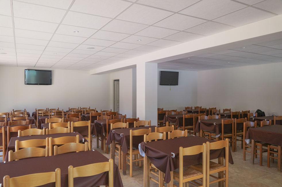 salles avec chaises camping Corse