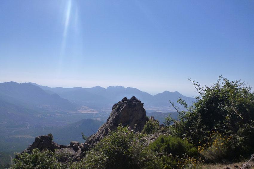 vue sur montagne Calenzana près camping Corse
